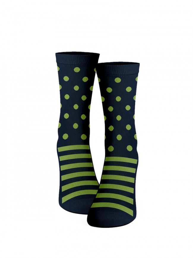 calcetines de lunares color verde lima. Topitos