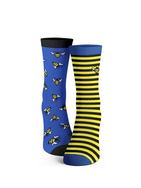 calcetines desemparejados abejas