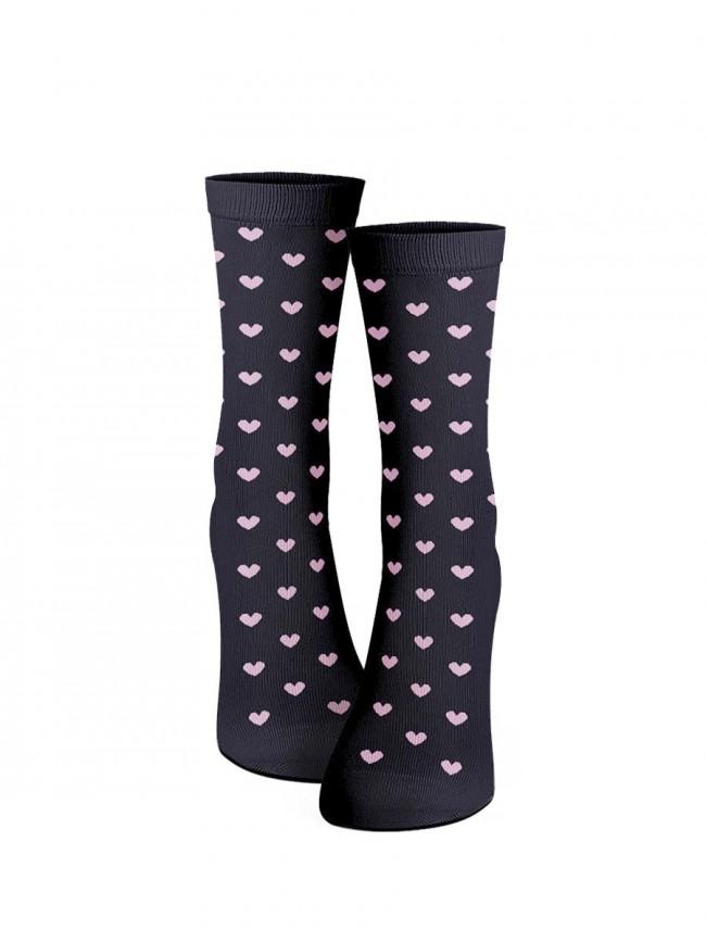 calcetines de corazones rosas